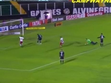 Вратарь уехал состадиона натакси вовремя матча из-за нелепого гола
