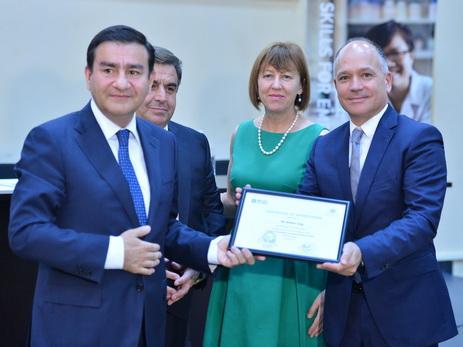 Британская компания обучила азербайджанцев таким профессиям как «повар», «консьерж» - ФОТО