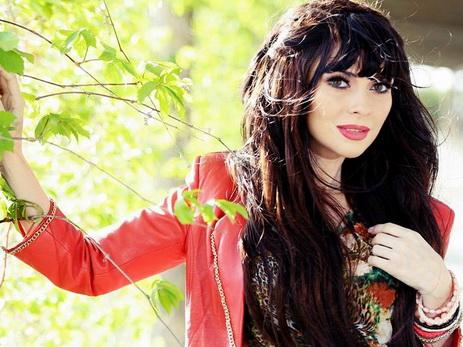 Манана сняла клип на азербайджанскую народную песню «Sarı gəlin» - ВИДЕО