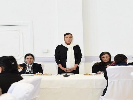 Mehriban Əliyeva: Allah balaca Zəhraya rəhmət eləsin!