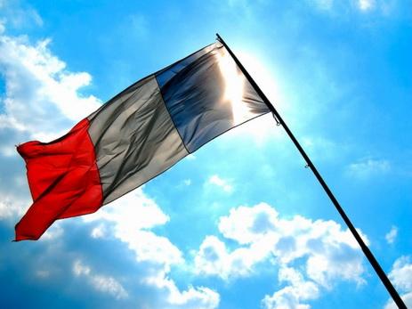 Франция призвала снять блокаду сКатара