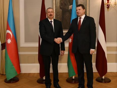 Состоялась церемония официальной встречи Президента Ильхама Алиева в Риге - ФОТО
