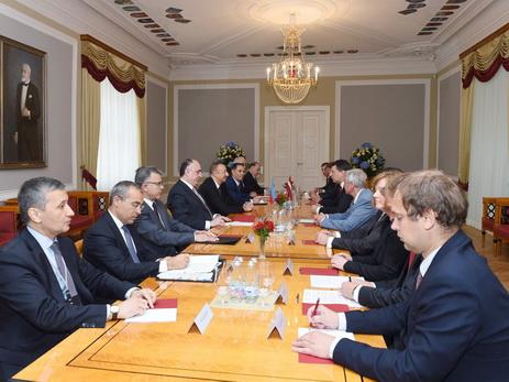 Состоялась встреча президентов Азербайджана и Латвии в расширенном составе - ФОТО