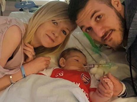 Неизлечимо больной младенец Чарли Гард скончался вхосписе