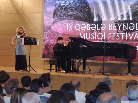 Qəbələdə Azərbaycan, İsrail və ABŞ-ın tanınmış musiqiçilərinin konserti olub