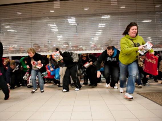 Nargiz Mall-da yeni mağazanın açılışında görünməmiş qarşıqlıq yarandı - VİDEO - FOTO