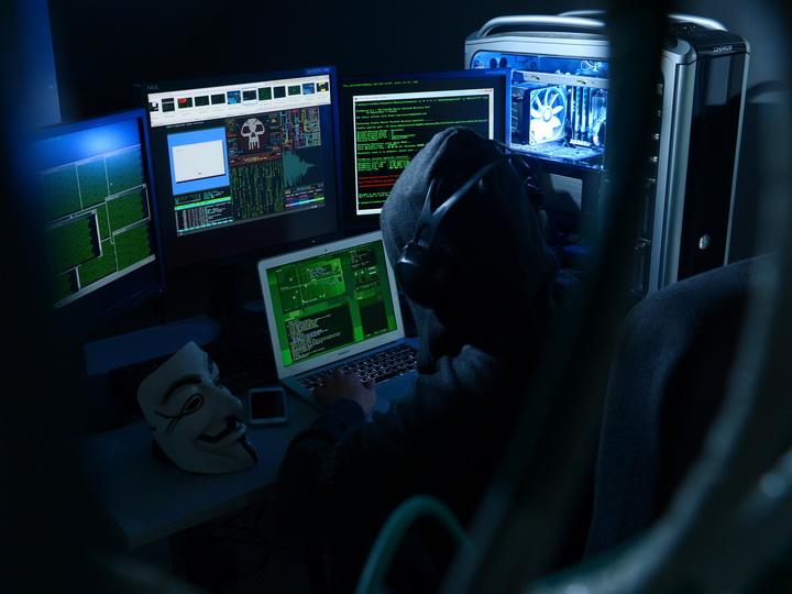 Гражданина Китая задержали в Лос-Анджелесе по подозрению в хакерстве