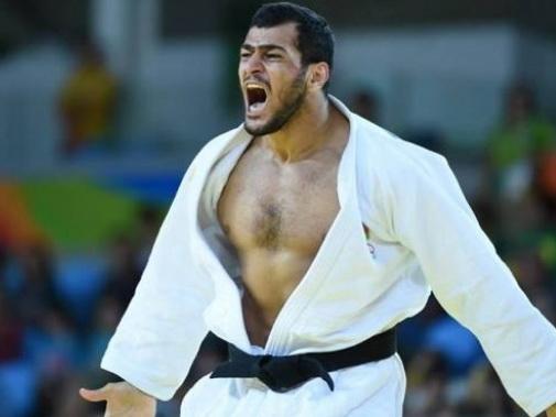 I am number one, или почему Эльмар Гасымов так бурно праздновал победу над товарищем по команде - ВИДЕО