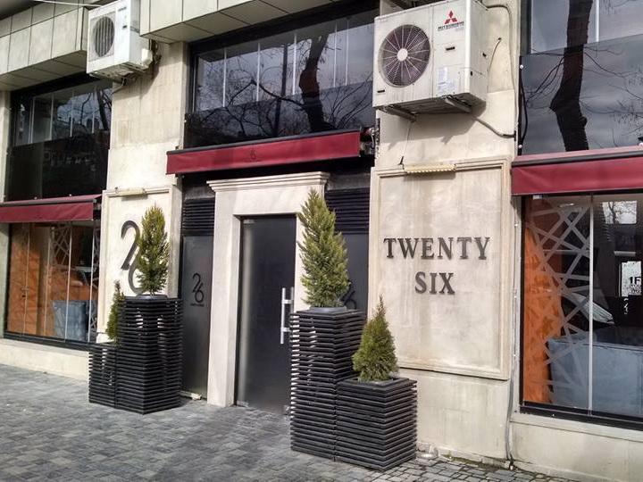 Историки выступили против деятельности ресторана «Twenty Six» в центре Баку - ФОТО