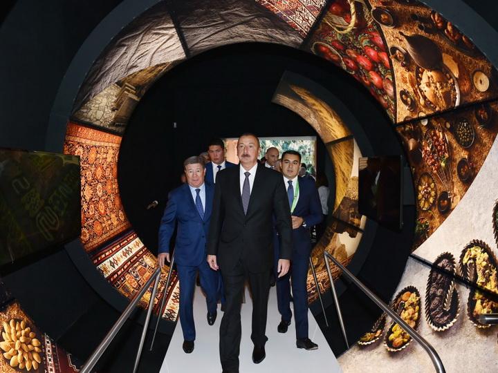 Президент Ильхам Алиев ознакомился с азербайджанским павильоном на EXPO-2017 в Астане - ФОТО