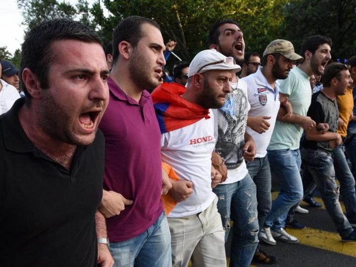 В Ереване вновь поднимают голову шовинисты: «Азербайджан должен «умереть»