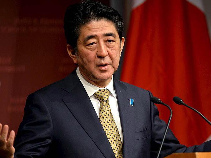 Премьер-министр Японии поздравил Президента Ильхама Алиева с 25-летием установления дипотношений