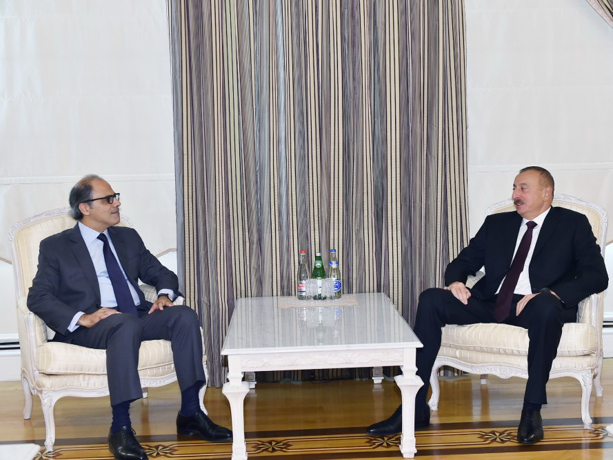 Президент Ильхам Алиев принял директора Департамента МВФ