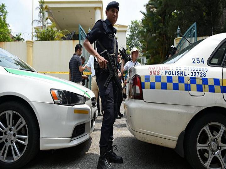 В Малайзии не менее 25 человек погибли из-за пожара в религиозной школе