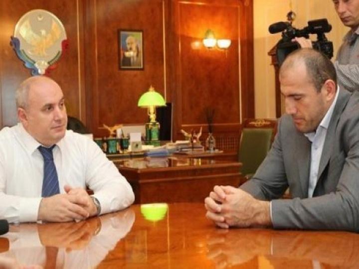 Глава Махачкалы подарил квартиру азербайджанскому чемпиону