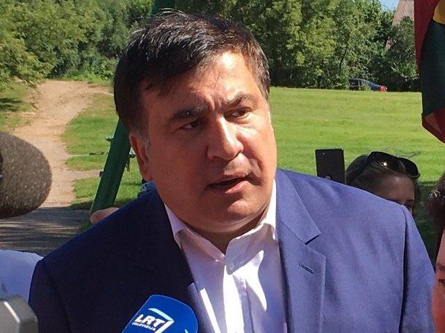 Суд поделу Саакашвили: вэкс-президента Грузии полетели яйца