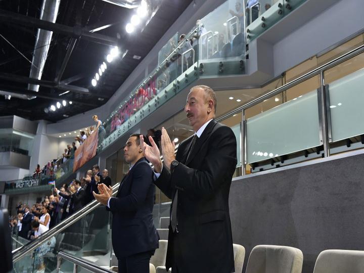 Ильхам Алиев наблюдал за игрой женской сборной Азербайджана по волейболу  - ФОТО