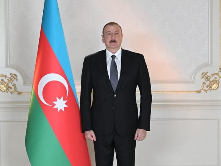 Президент Ильхам Алиев поздравил новоизбранного президента Кыргызстана