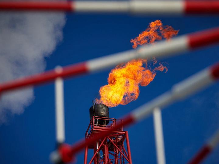 Добыча нефти в Азербайджане стабилизируется, газа - возрастает