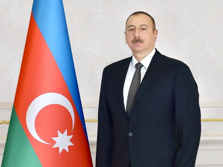 Президент Ильхам Алиев ознакомился с ходом строительных работ, проводимых автомобильной дороге Баку – Губа - государственная граница с Россией