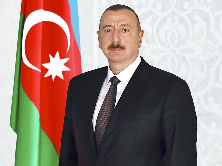 Президент Азербайджана поздравил президента Туниса