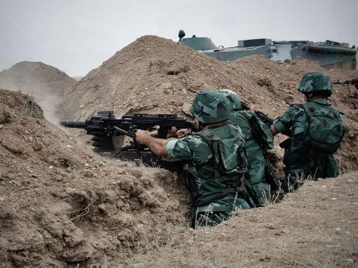 ВС Армении из крупнокалиберных пулеметов обстреляли позиции Азербайджанской армии