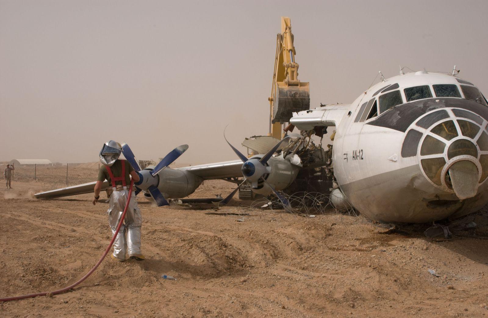 ан-12 самолет фото