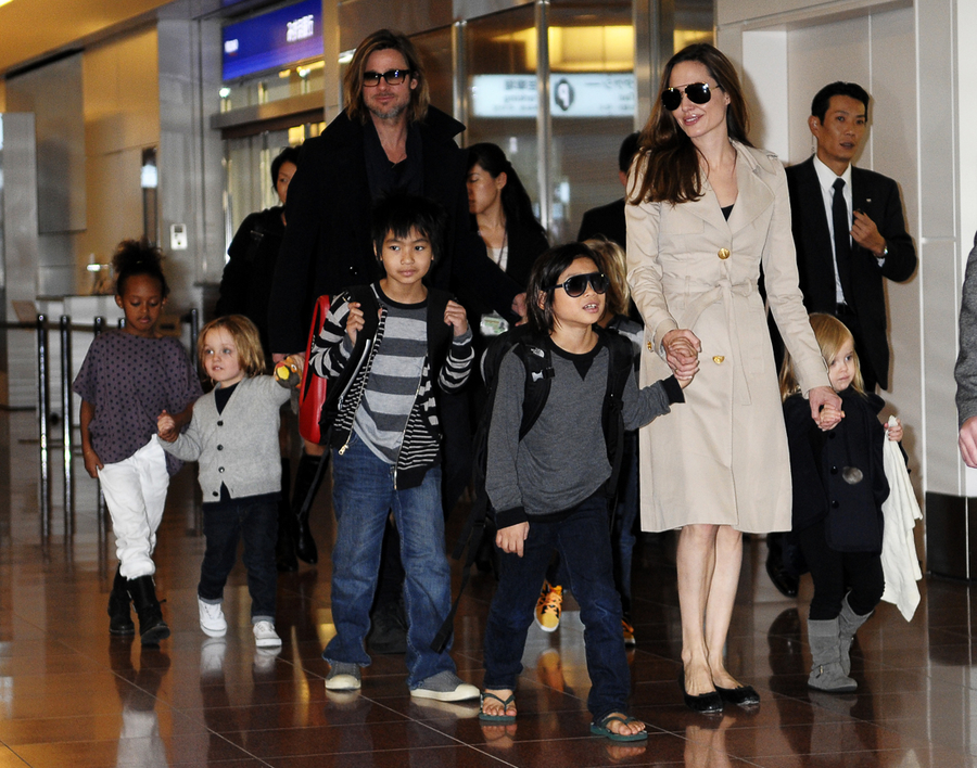 фото анжелина джоли и брэд питт с детьми