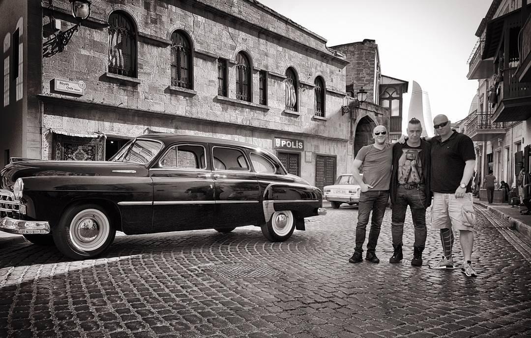 Солист группы группы Rammstein Тилль Линдеманн прогулялся по Ичери Шехер
