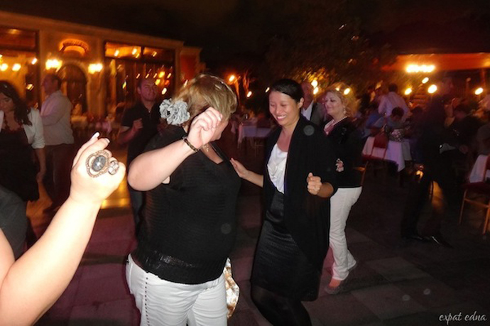 http://1news.az/uploads/images/30%20-%20Dancing-with-Azerbaijani-women-in-Baku.jpg