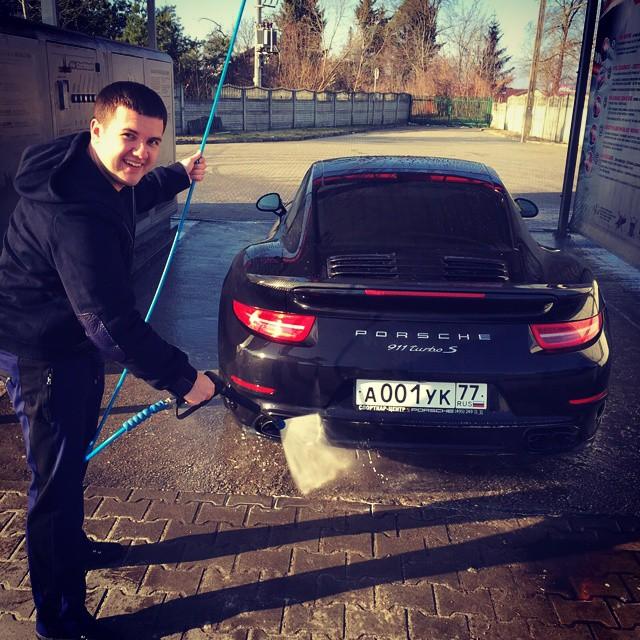 СМИ проинформировали о закупке сыном Алекперова связанной сЛУКОЙЛом компании